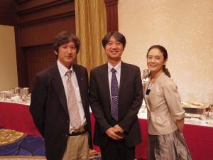 新見先生(左),松本玲先生(右)と。